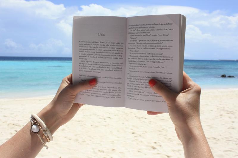 Homevialaura, Mitä pakata rantalomalle, Malediivit, lukeminen