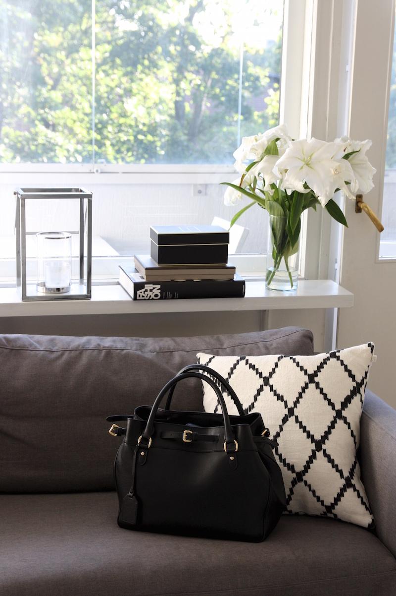 Homevialaura, olohuoneen sisustus, Ralph Lauren -laukku