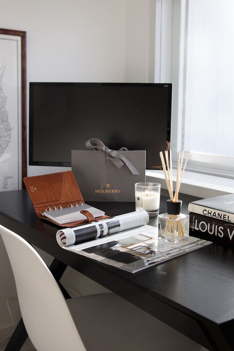 Homevialaura, kotitoimisto, työpöytä, Ipuro, huonetuoksu, Mulberry, kalenteri