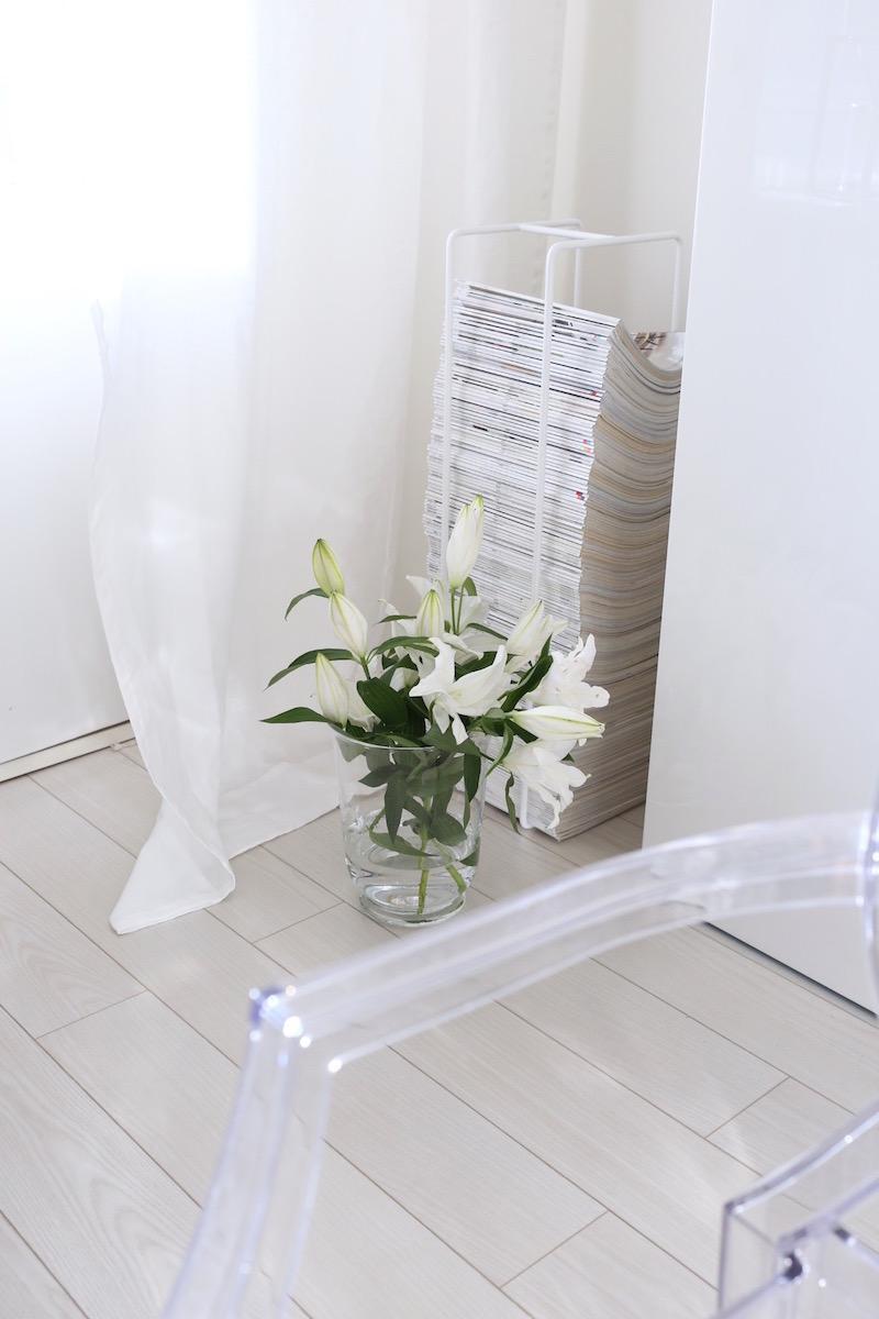 Homevialaura, olohuone, Stockmann Casa, valkoiset pellavaverhot, Showroom Finland, Mixrack, Tapio Anttila