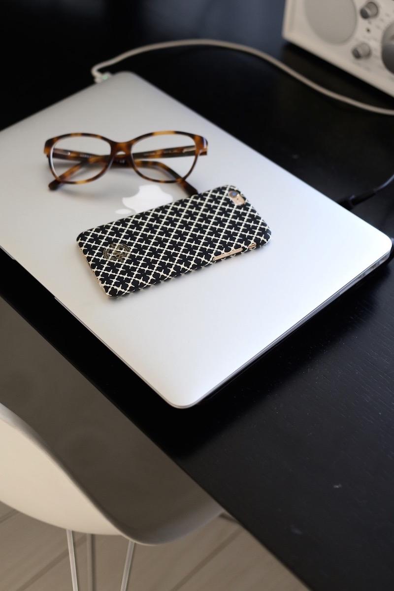 Homevialaura, kotitoimisto, työpöytä, By Malene Birger, iPhone, suojakuoret