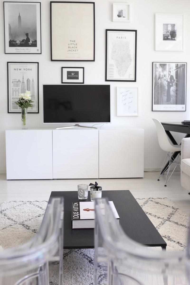 Homevialaura, olohuone, tauluseinä, Ikea Bestå, Ellos Tanger, BoConcept Lugo