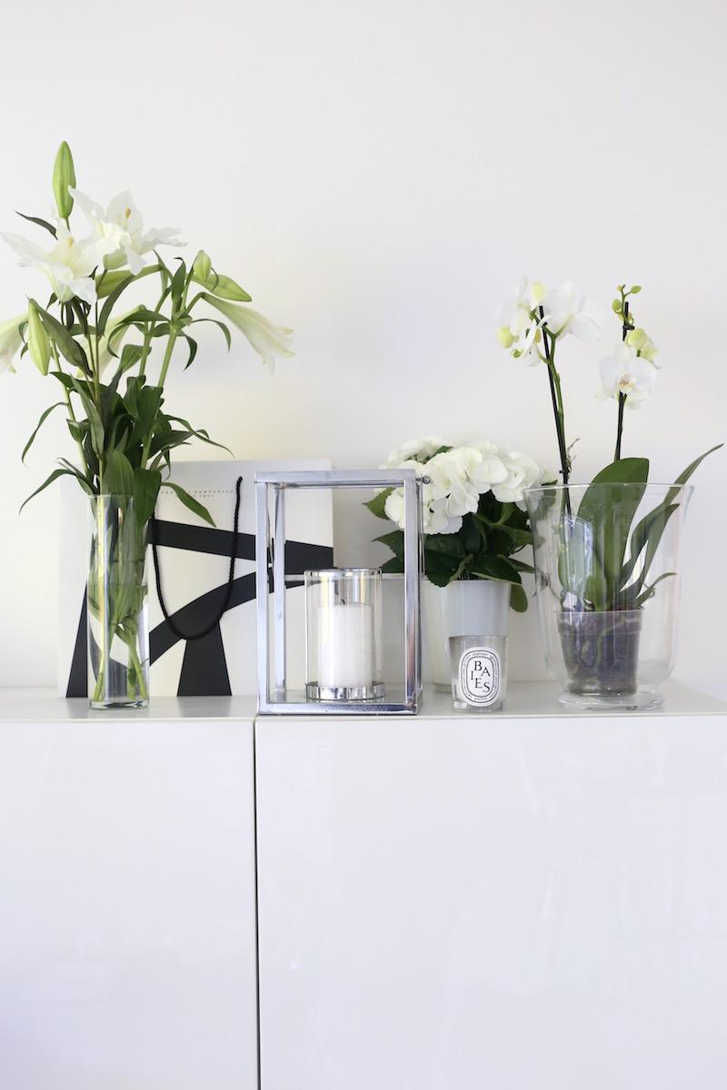 Homevialaura, valkoiset kukat, liljat, orkidea, hortensia, diptyque