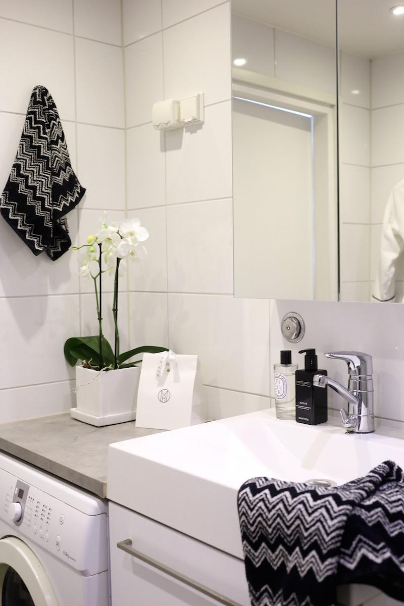 Homevialaura, kylpyhuone, Missoni Home, Ikea Godmorgon, peilikaappi