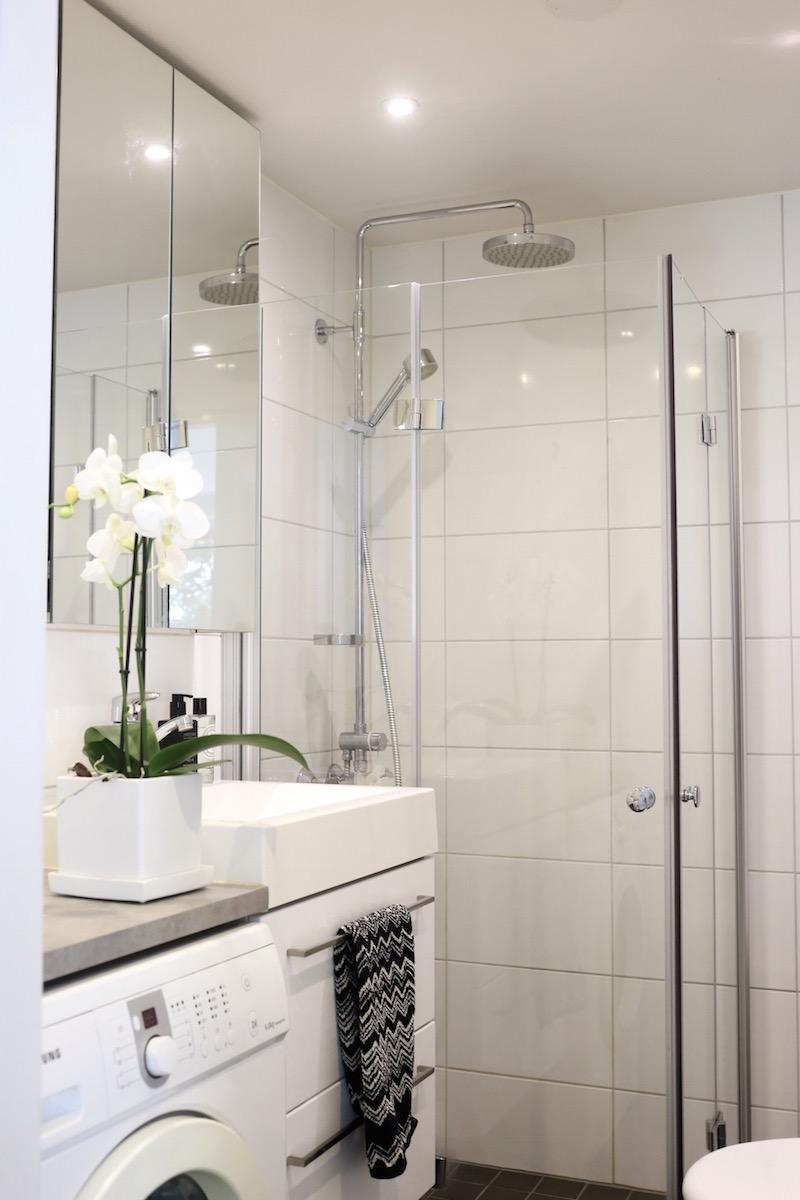 Homevialaura, kylpyhuone, Missoni Home, Ikea Godmorgon, peilikaappi, suihkukaappi