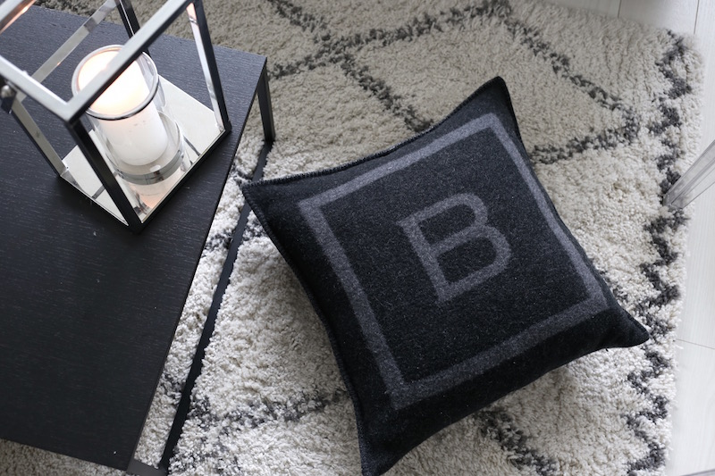 Homevialaura, Balmuir, The B Collection, B-logo cushion, tyyny