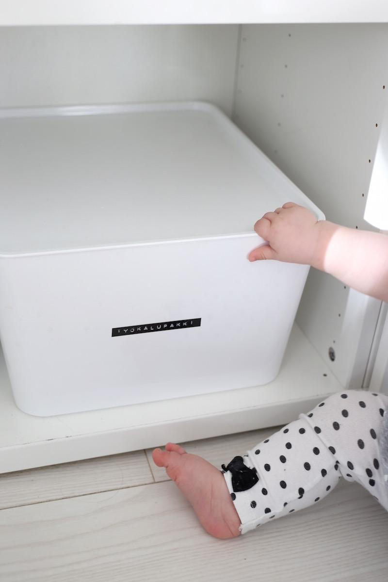 Homevialaura, kodin säilytys, järjestys, Ikea, valkoinen laatikko, Kuggis, Dymo
