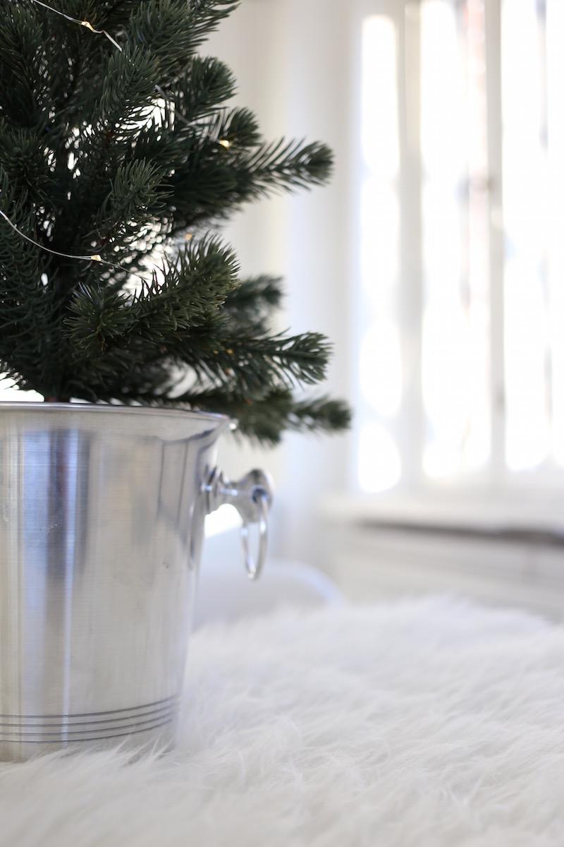 Homevialaura, joulu, keittiö, pöytäkuusi