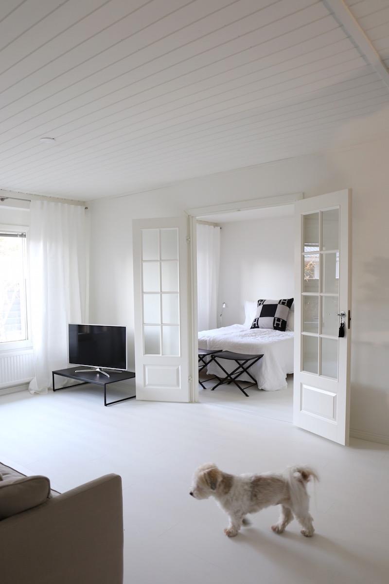 Homevialaura, uusi koti, remontti, valkoinen laminaatti, Quick-Step Impressive IM1859