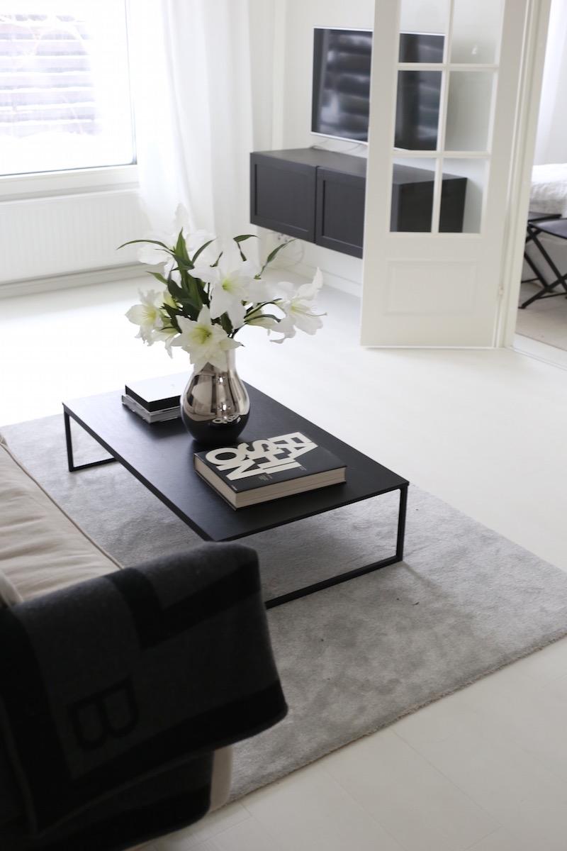 Homevialaura, tv-taso, Ikea Bestå Hanviken, VM-Carpet Hattara, harmaa nukkamatto
