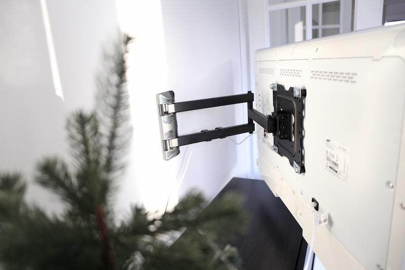 Homevialaura, seinään kiinnitetty televisio, tv, seinäkiinnitys