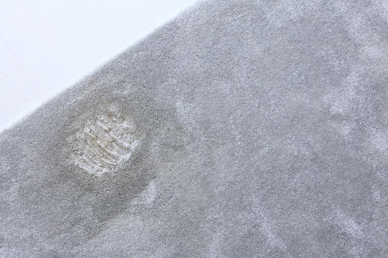 Homevialaura, kahvitahra matossa, tahranpoisto tekstiilistä