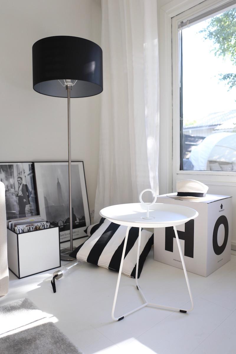 4 x pikkupöytä –kesäinen apu terassille
