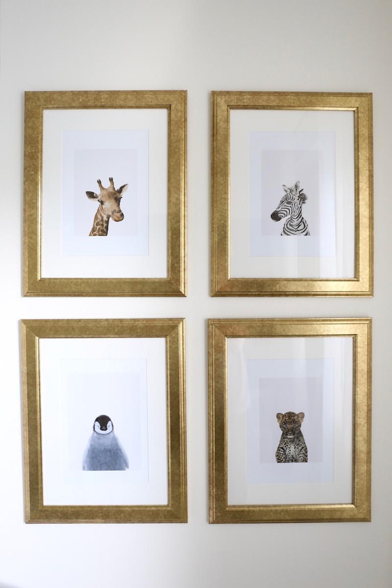 Homevialaura, lastenhuone, tauluseinä, kultaiset kehykset, Ikea Virserum, Petite Charlie