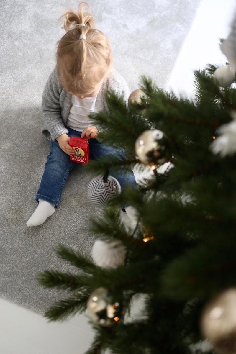 Homevialaura, joulukuusi, Sun-Maid, rusinat