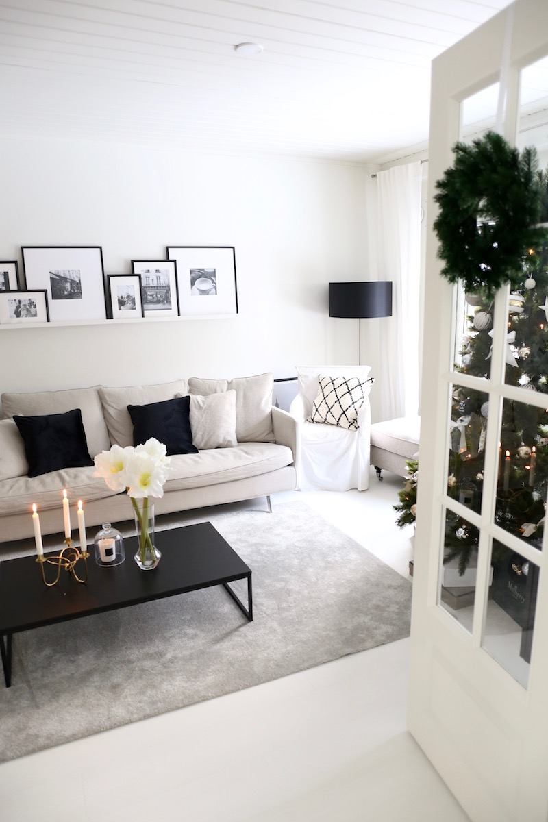 Homevialaura, joulu, sisustus, joulukoti, joulukuusi, havukranssi, amaryllis