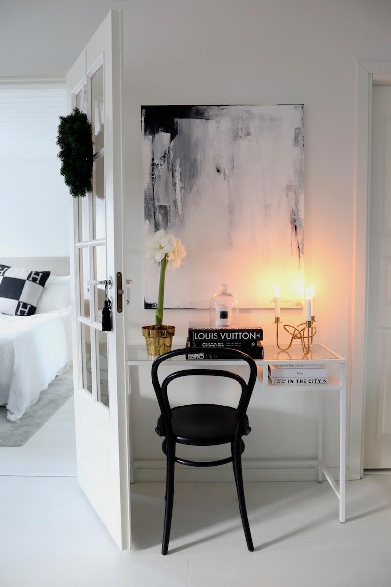 Homevialaura, joulu, amaryllis, abstrakti maalaus