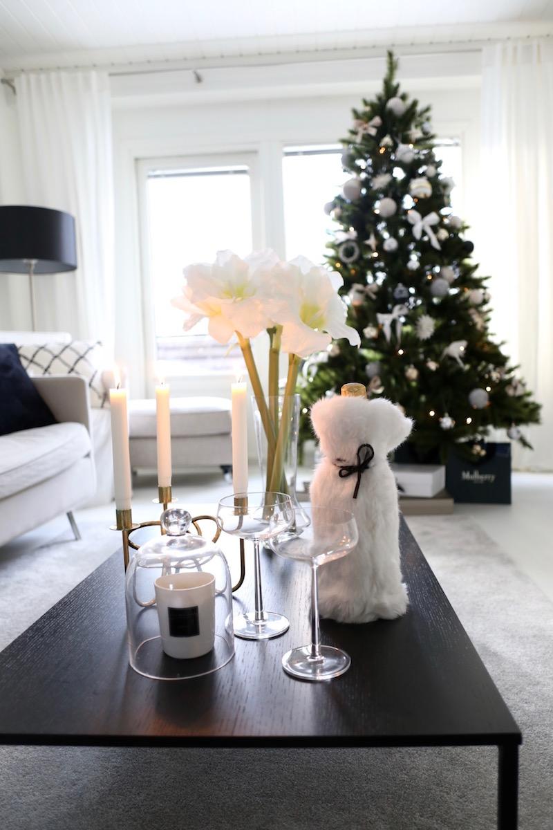 Homevialaura, joulukuusi, joulu, sisustus, tekokuusi, kestokuusi, itsenäisyyspäivä