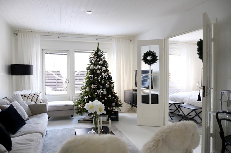 Homevialaura, olohuone, sisustus, joulu, joulukuusi