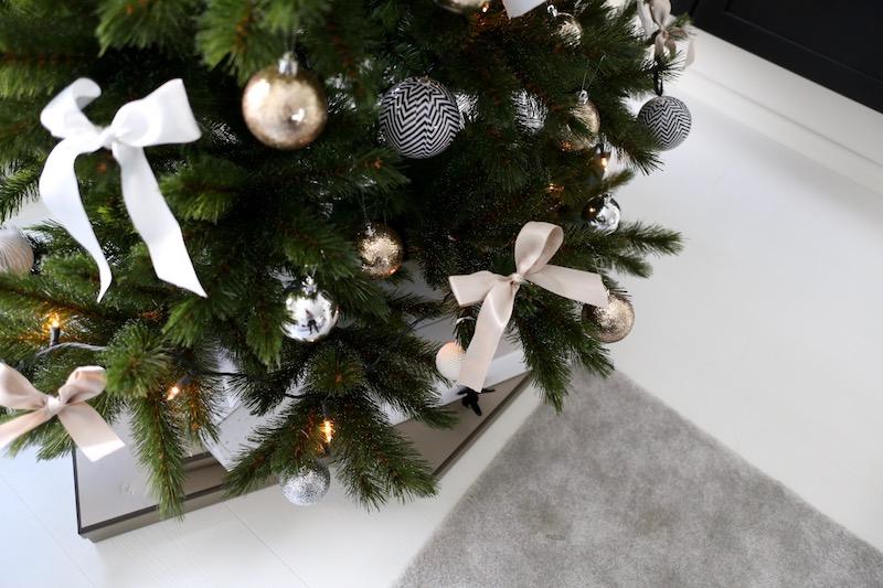 Homevialaura, joulukuusi, rusetit
