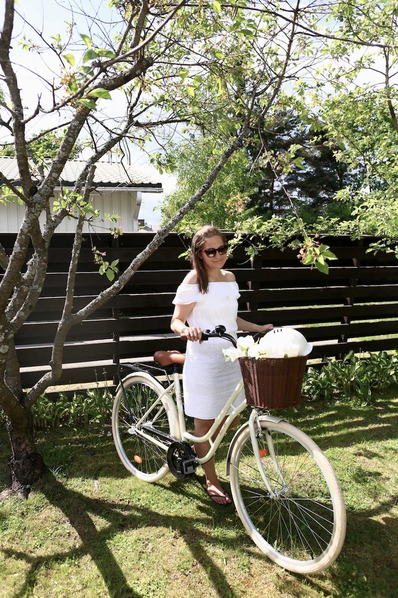 Homevialaura, polkupyörä, valkoinen naisten pyörä, Solifer Klassikko