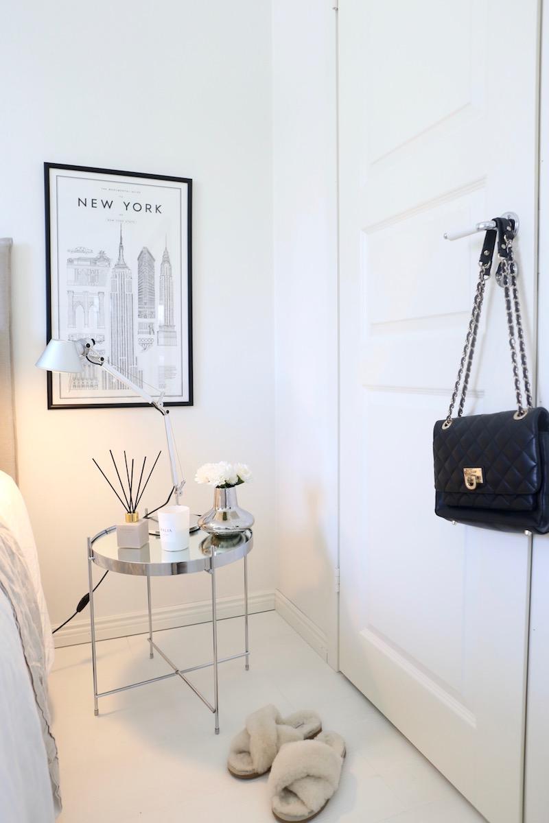 Homevialaura, makuuhuone, sisustus, petaus, Zuiver Cupid, yöpöytä, Balmuir