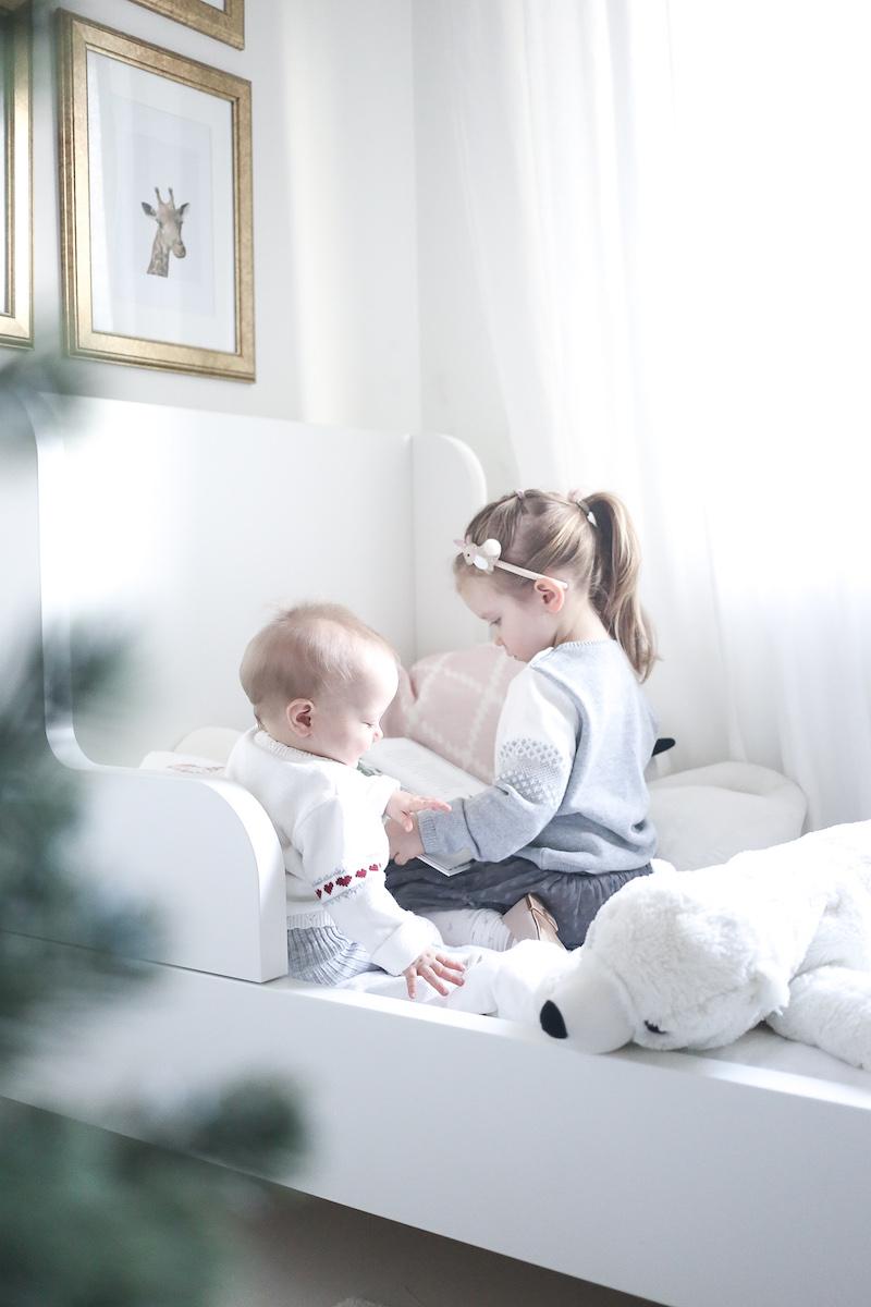 Äänikirjahetkiä lasten kanssa ja viime hetken aineeton joululahjakorttivinkki