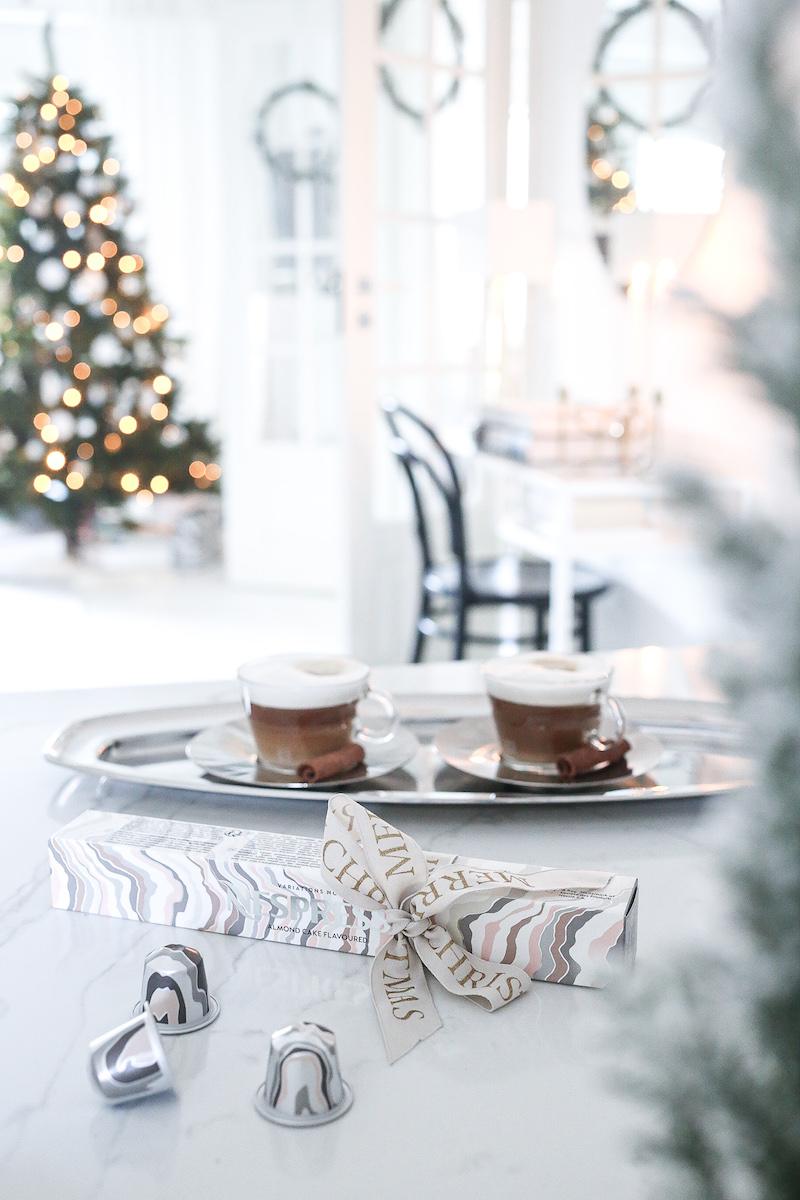 Kahvituoksuinen suunnitelma joulun rentoutumiseen
