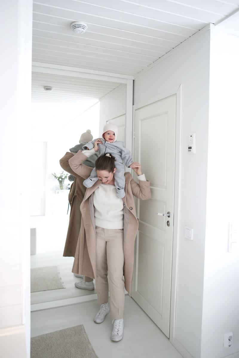 Homevialaura, COS, lasten harmaa fleecehaalari, naisten beiget housut