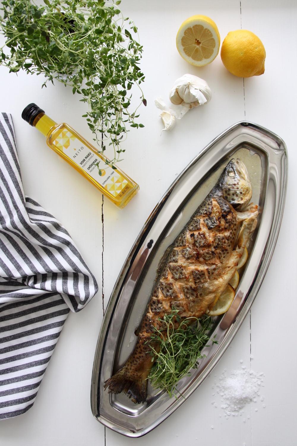 Homevialaura, Neito-rypsiöljy, kokonainen kala uunissa