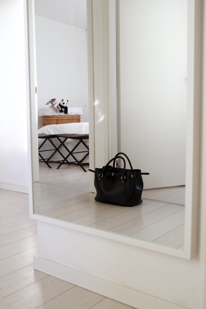 Homevialaura, eteinen, IKEA Stave, peili, kokovartalopeili, Ralph Lauren -laukku