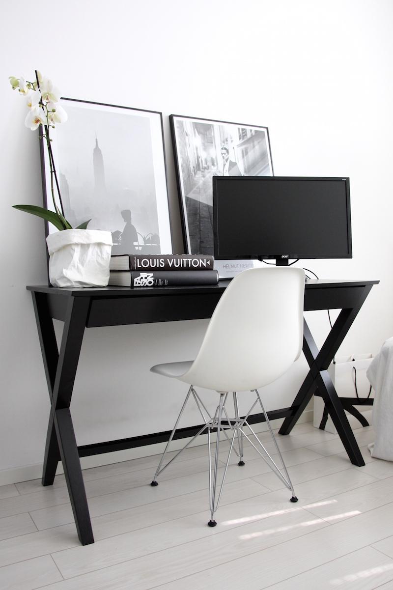 Homevialaura, työhuone, kotitoimisto, työpöytä