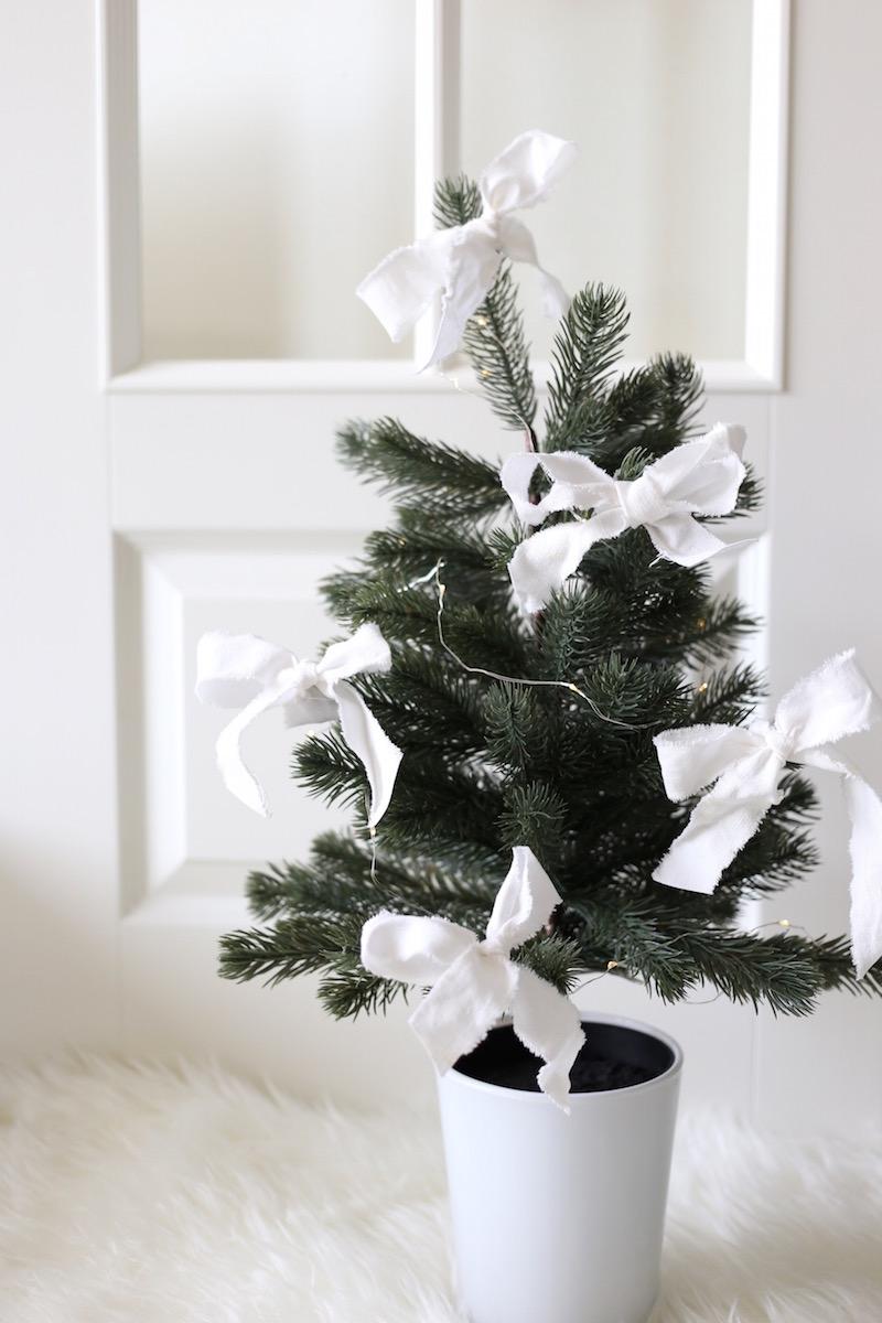 Homevialaura, joulu, joulukuusi, tekokuusi, pöytäkuusi, Ikea Fejka