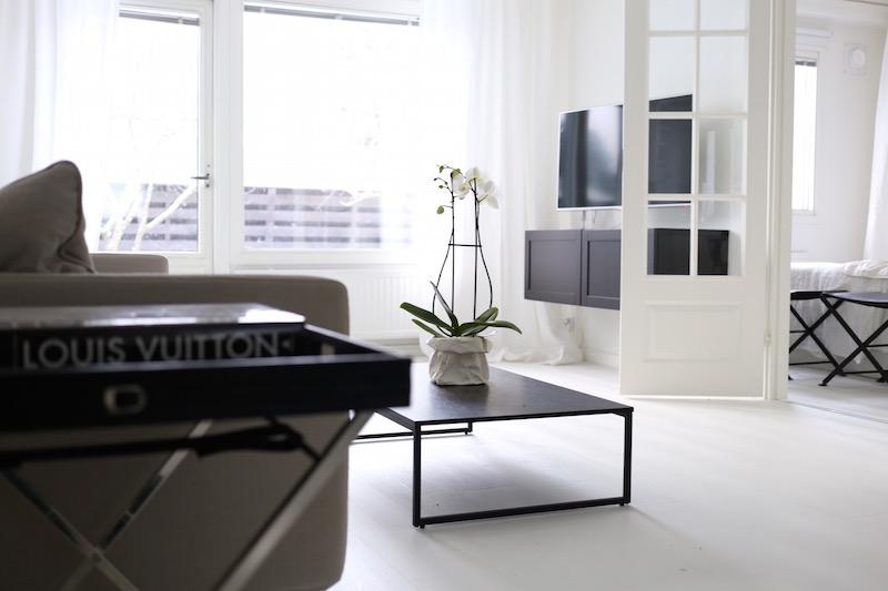 Homevialaura, Roomlight, Danley, tarjotinpöytä
