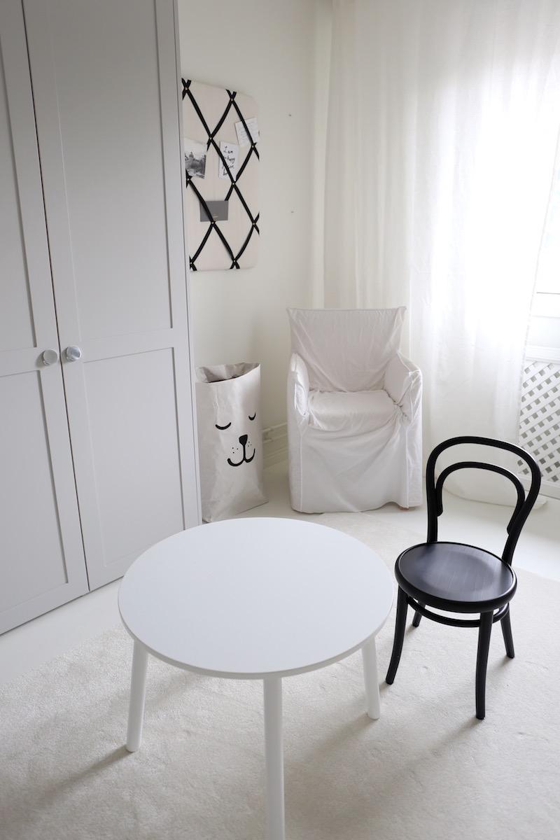 Homevialaura, lastenhuone, TON Petit, lastentuoli, lastenpöytä