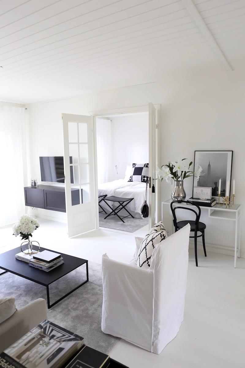 Homevialaura, sisustus, koti, olohuone, avokeittiö, Flos 2097/30, moderni kattokruunu, Gervasoni Ghost