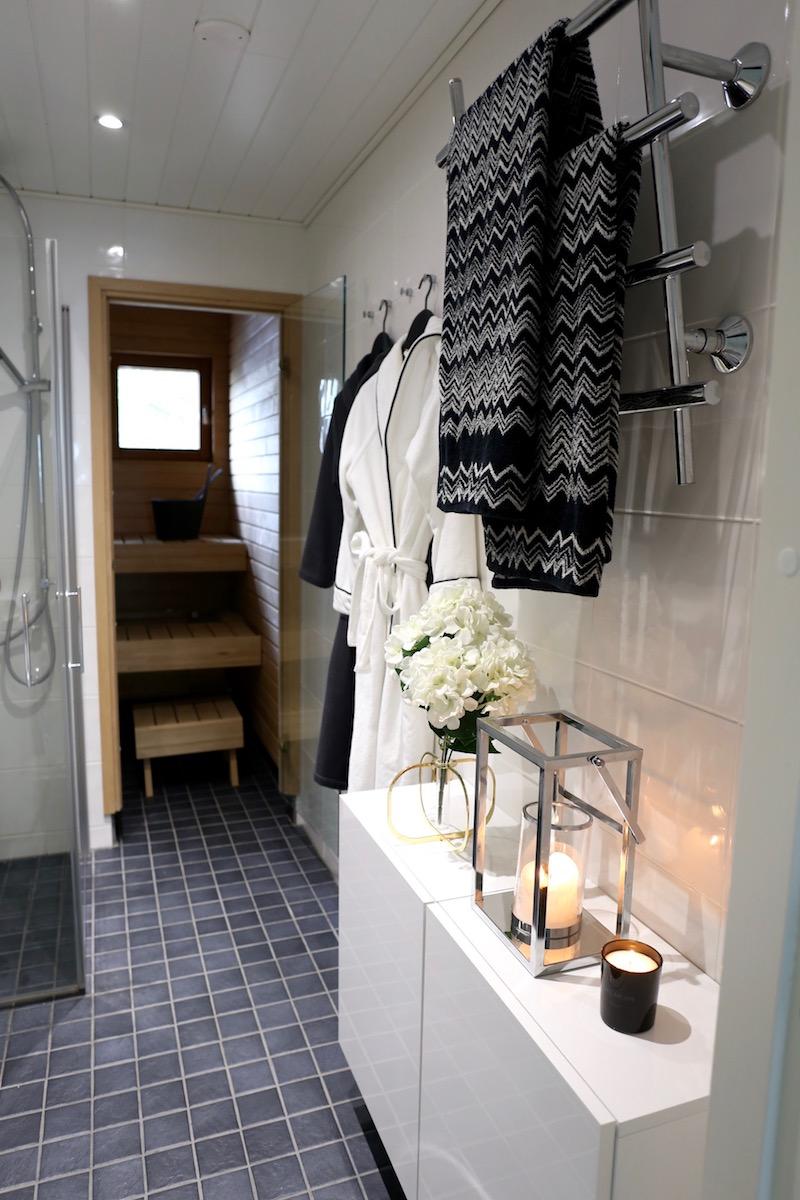 Homevialaura, kylpyhuone, sauna