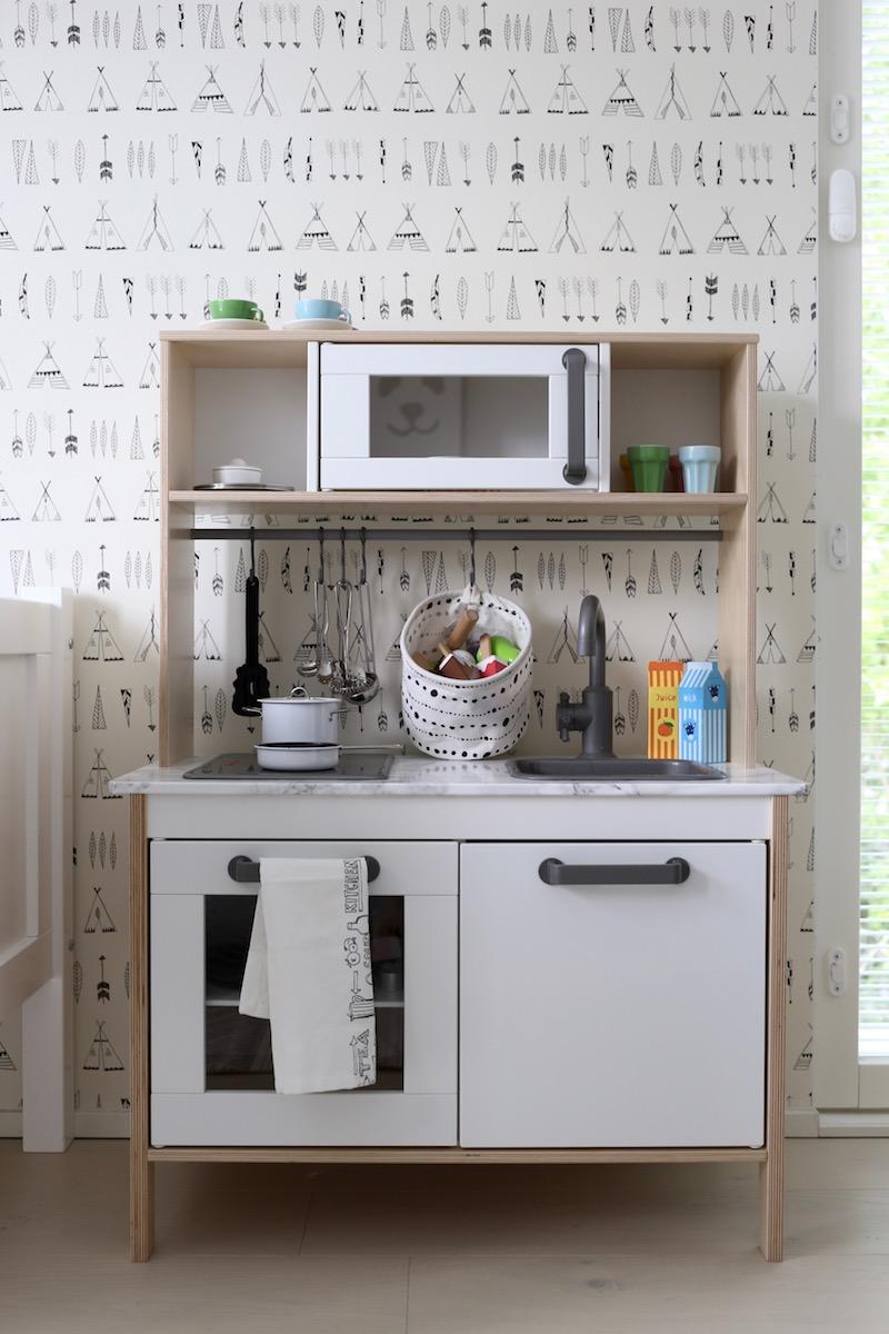 Homevialaura, Kuistin kautta, lastenhuone, pojan huone, sisustus, Ikea Duktig, leikkikeittiö