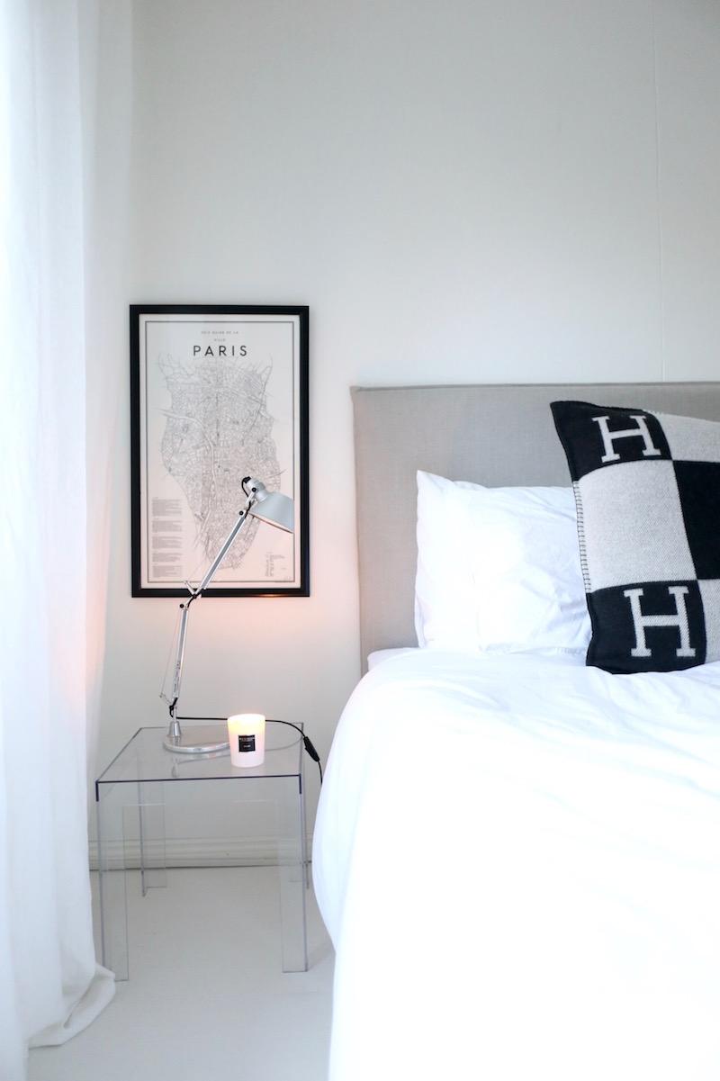 Homevialaura, Artemide, Tolomeo, makuuhuone, yöpöydän lukulamput