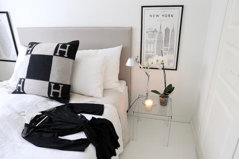 Homevialaura, makuuhuone, aamutakki