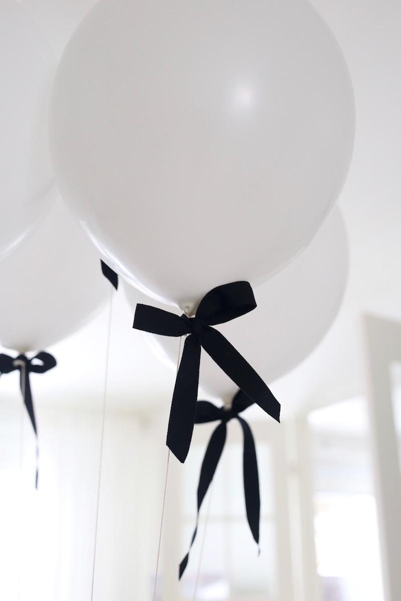 Homevialaura, lastensynttärit, 2-vuotissynttärit, ilmapallot ruseteilla