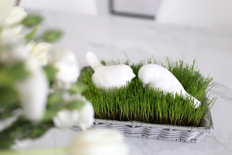 Homevialaura, pääsiäinen, pääsiäiskoristelu, pääsiäiskoristeet, kodin sisustaminen pääsiäiseen, rairuoho
