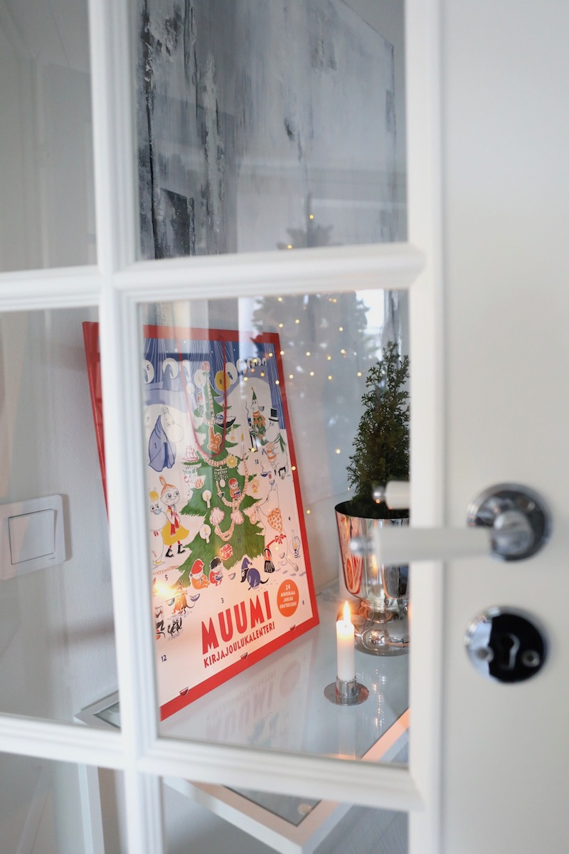 Homevialaura, joulu, pikkukuusi, Muumi, kirjajoulukalenteri
