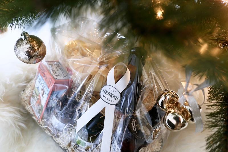 Homevialaura, Food Market Herkku, joulu, ruokalahja, herkkulahja, ruokakori