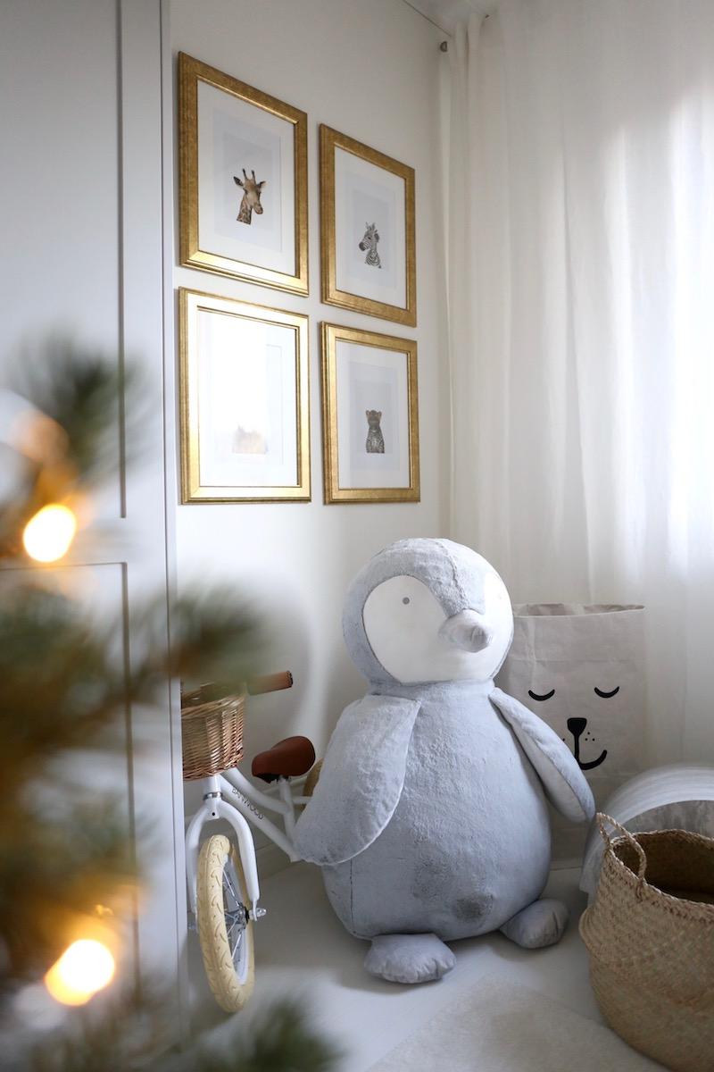 Homevialaura, joulu, lastenhuone, pikkukuusi