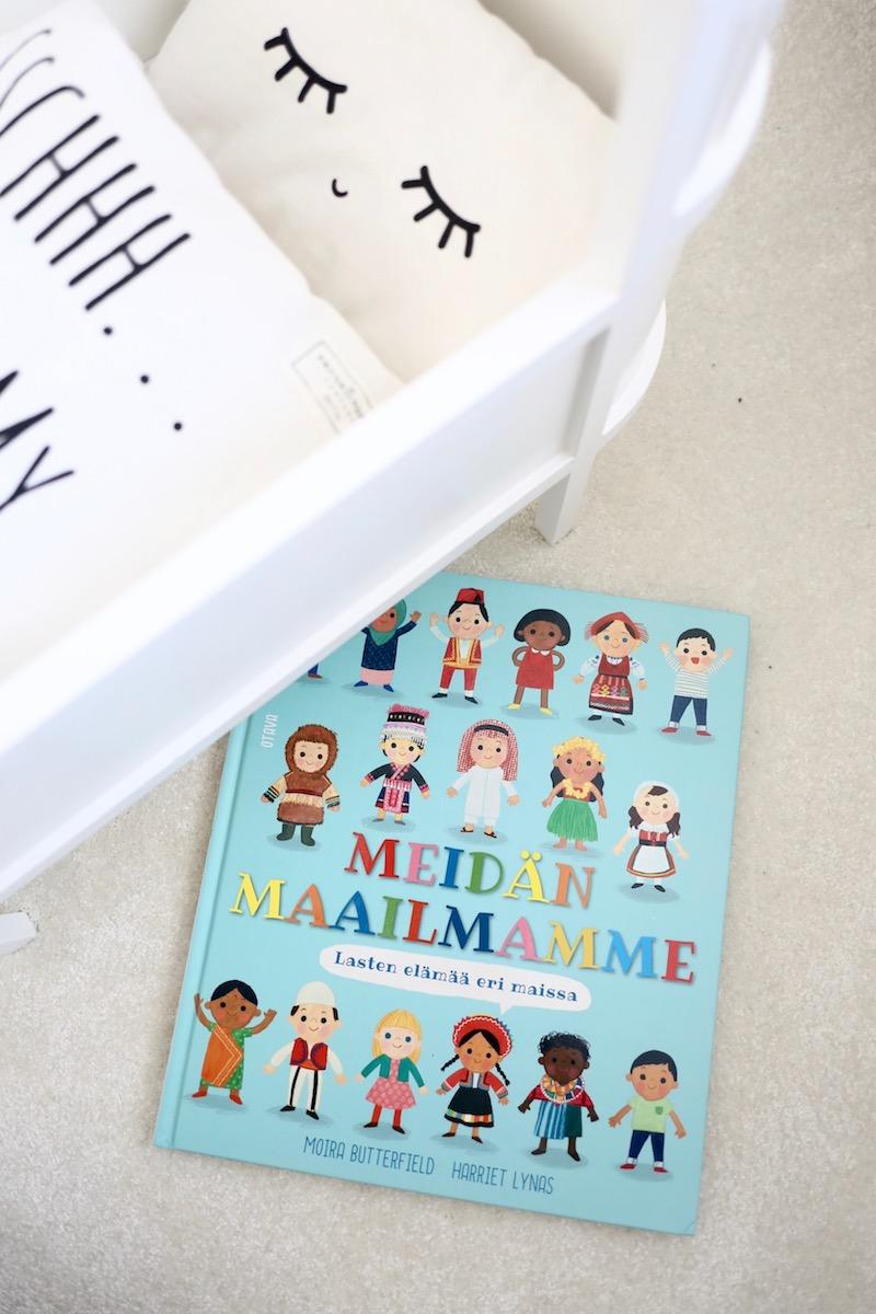 Homevialaura, lukeminen lapselle, kansainvälinen lastenkirjapäivä