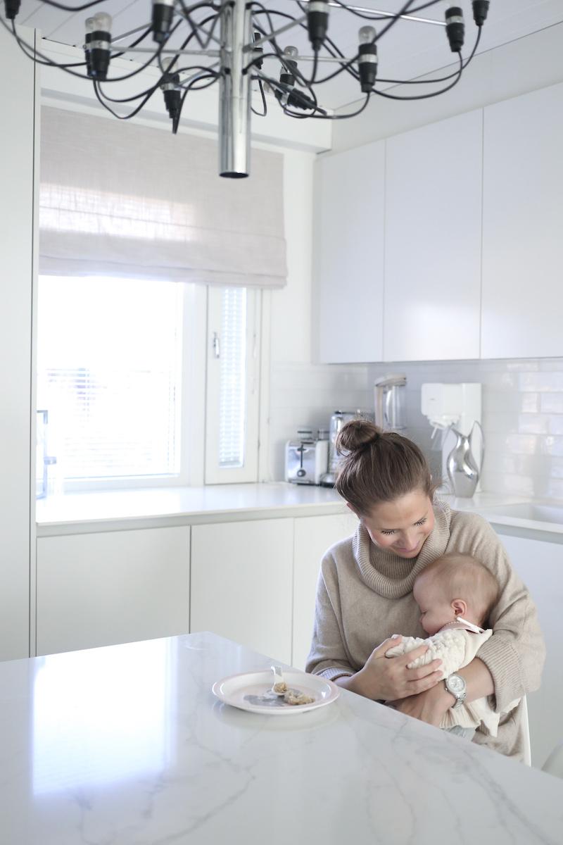 Homevialaura, vauva, kiinteiden ja soseiden aloittaminen