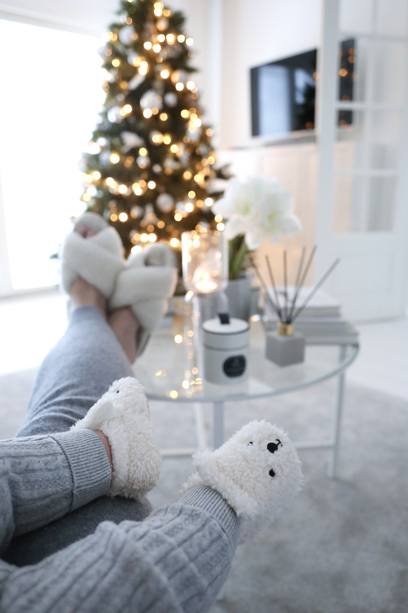 Homevialaura, joulu, joulun odotus, joulukuusi, tekokuusi, kestokuusi