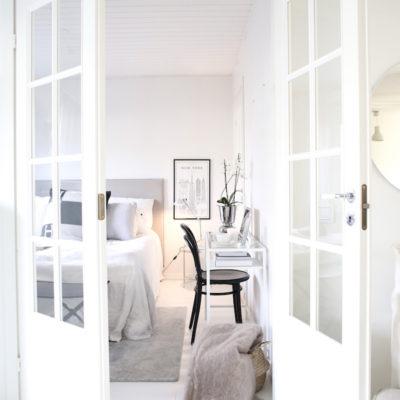Uuden normaalin järjestys: työpiste makuuhuoneessa