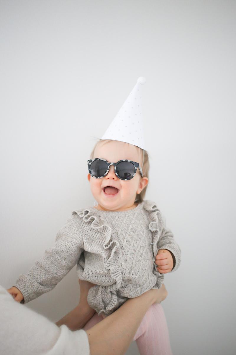 1-vuotias pikkusisko ja vauvavuoden yhteenveto